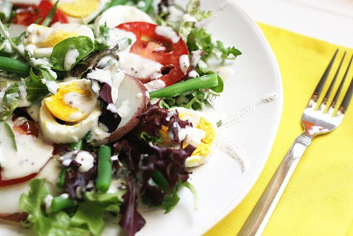 Green Bean and Egg Salad with Goat Cheese Dressing | salad recipes | gluten-free recipes | goat cheese recipes | green bean recipes | low carb recipes | perrysplate.com