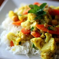 Vegetarian Curry with Cauliflower, Carrots, & Chickpeas