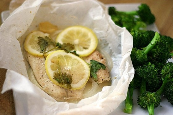 Fish en Papilliote | Fish cooked in parchment | paleo recipes | seafood recipes | fish recipes | dairy free recipes | Whole30 recipes | perrysplate.com