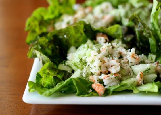 Shrimp and Cucumber Lettuce Wraps with Fresh Dill | paleo recipes | gluten-free recipes | dairy free recipes | Whole30 recipes | perrysplate.com