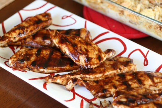 Chicken with Balsamic BBQ Sauce | paleo recipes | gluten-free recipes | grilling recipes | BBQ chicken recipes | perrysplate.com