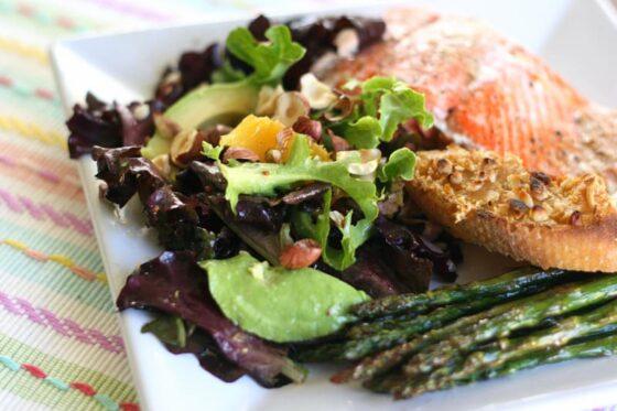 Avocado & Orange Salad with Hazelnuts | salad recipes | paleo recipes | avocado recipes | perrysplate.com