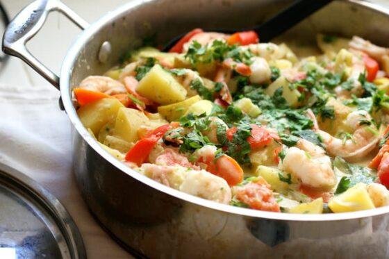 Thai Shrimp Curry with Summer Squash + Homemade Thai Curry Paste | Thai curry recipes | paleo recipes | Whole30 recipes | shrimp recipes | gluten-free recipes | dairy recipes | perrysplate.com