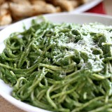 Creamy Spinach and Avocado Pasta -- www.PerrysPlate.com