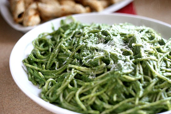 Creamy Spinach Pasta with Avocado | gluten-free recipes | spinach recipes | pasta recipes | perrysplate.com