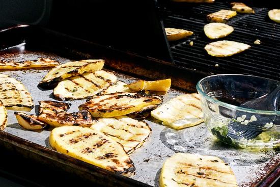 Grilled Summer Squash Salad | squash recipes | gluten-free recipes | zucchini recipes | grilling recipes | summer salad recipes | perrysplate.com