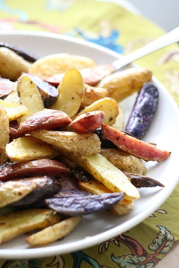 Crispy Lemon-Garlic Fingerling Potatoes - www.PerrysPlate.com