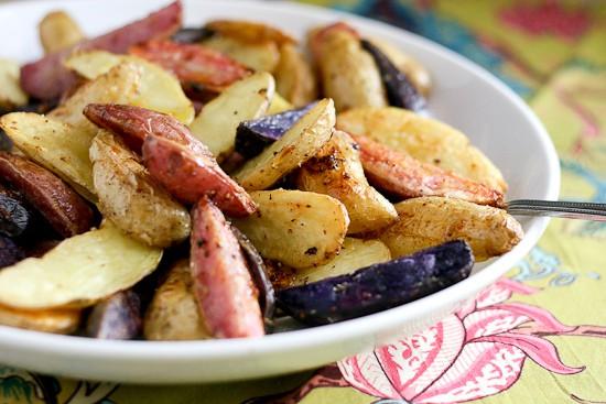 Crispy Lemon-Garlic Fingerling Potatoes - www.PerrysPlate.com