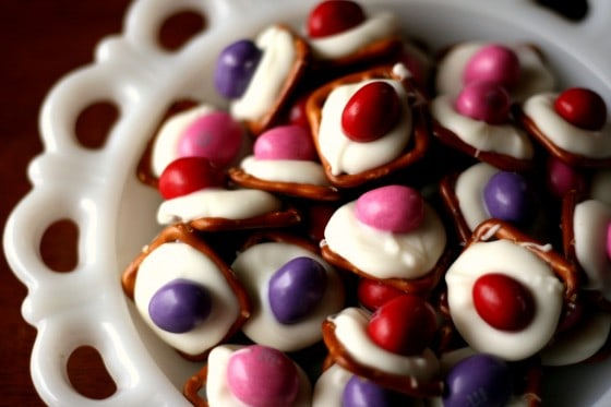 White Chocolate Pretzel Buttons - www.PerrysPlate.com