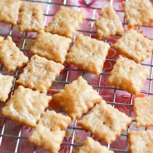 Homemade Cheese Crackers - www.PerrysPlate.com