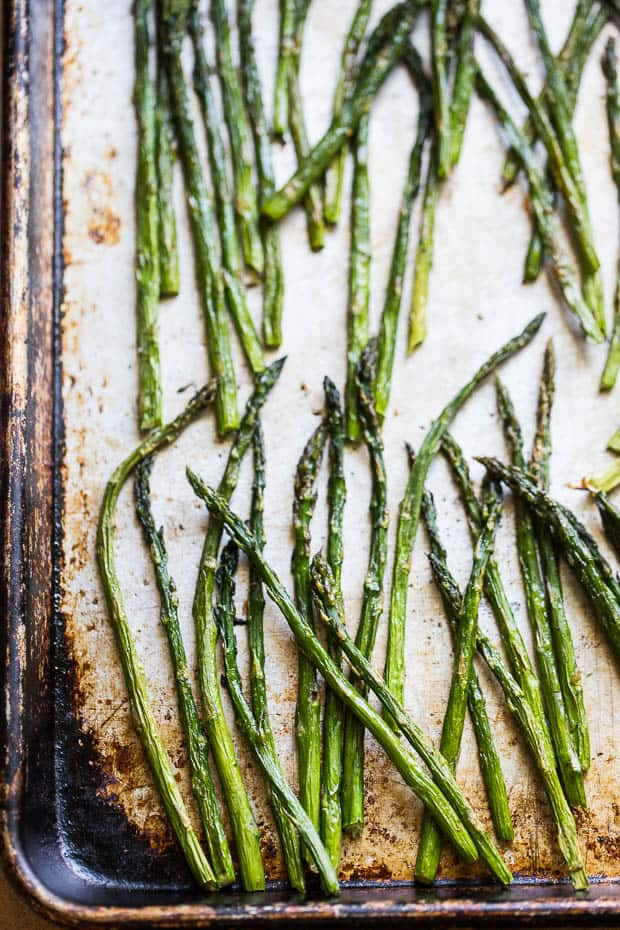Grilled Asparagus and Orange Salad   Paleo recipes   Whole30 recipes   asparagus recipes   spring salads   perrysplate.com