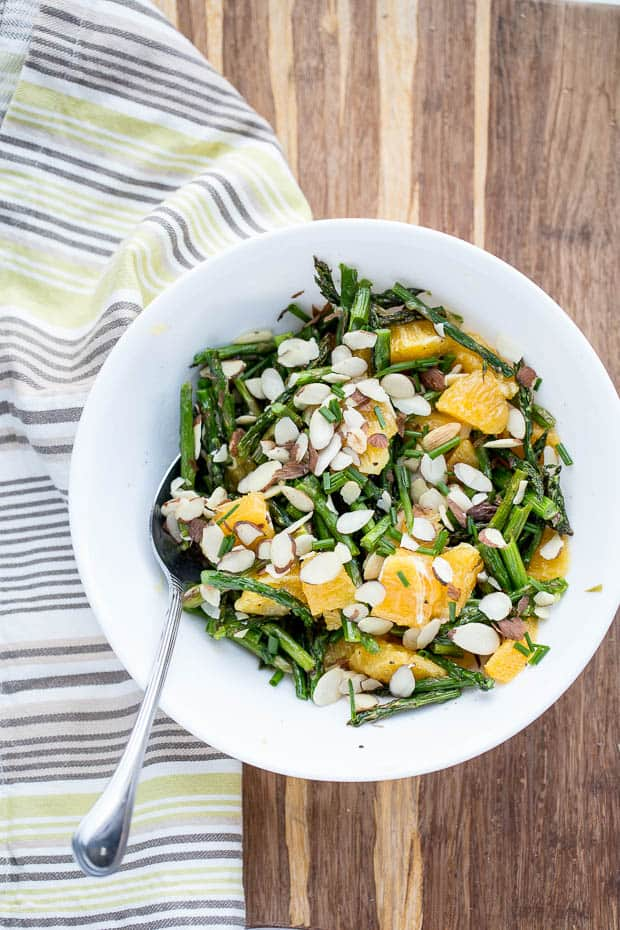 Grilled Asparagus and Orange Salad | Paleo recipes | Whole30 recipes | asparagus recipes | spring salads | perrysplate.com