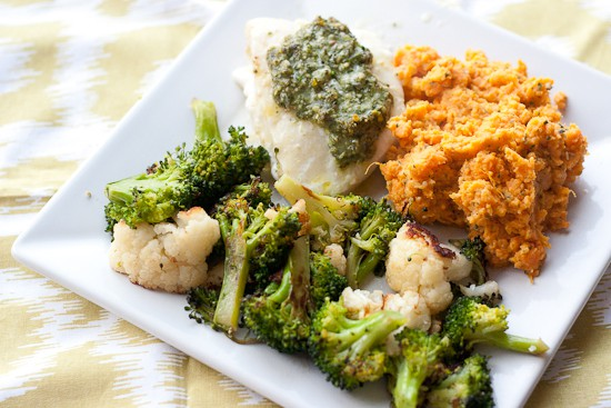 Baked Fish with Lemon-Basil Pesto | www.perrysplate.com