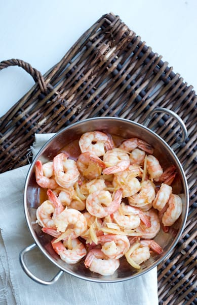 Garlicky Shrimp (gambas al ajillo) - A perfect shrimp recipe for garlic lovers! Super easy to make and goes well in a rice bowl or as part of a big salad. | perrysplate.com