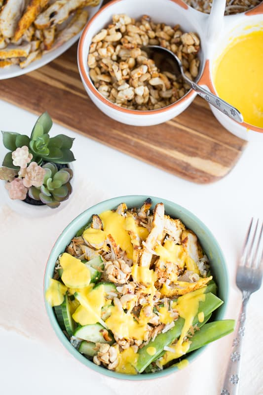 Thai Grilled Chicken Bowls with Mango-Lime Dressing | paleo recipes | grilled chicken recipes | gluten-free recipes | dairy free recipes | mango recipes | perrysplate.com