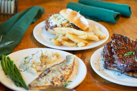 Our favorite places to eat in Moab, UT!   perrysplate.com