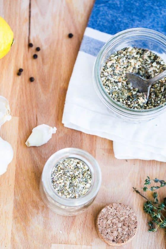 Homemade Greek Seasoning | perrysplate.com