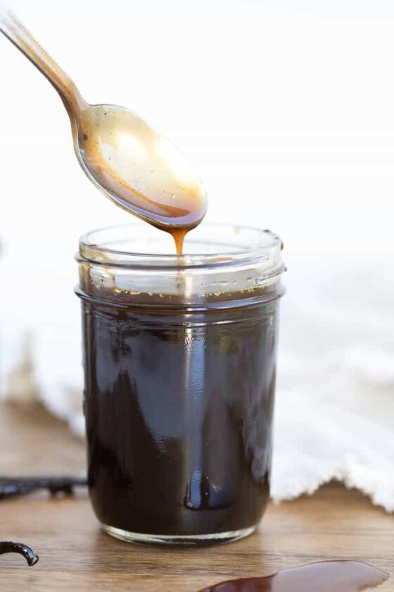 Paleo Salted Caramel Sauce with Vanilla Bean | perrysplate.com