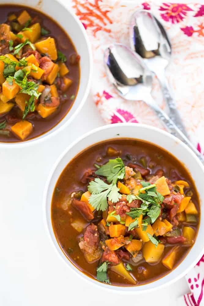 Vegetarian Paleo Chili | paleo recipes | chili recipes | vegetarian chili | perrysplate.com