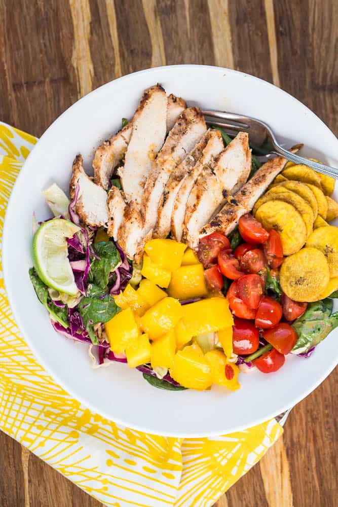 Grilled Jerk Chicken & Mango Salad | jerk chicken recipe | paleo recipe | Whole30 recipe | summer salads | perrysplate.com