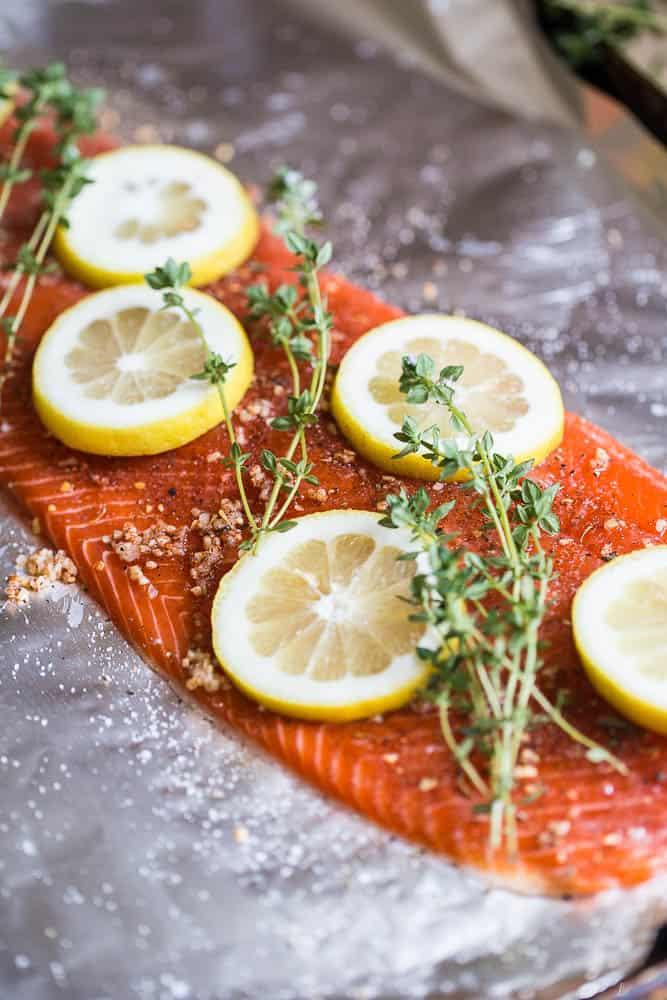 Grilled Cajun Foil-Packet Salmon | Whole30 recipes | paleo recipes | salmon recipes | grilling recipes | perrysplate.com