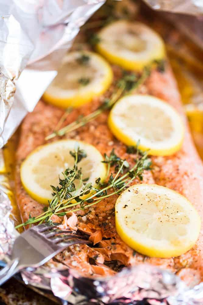 Grilled Cajun Foil-Packet Salmon | Whole30 recipes | paleo recipes | salmon recipes | grilling recipes | perrysplate.com