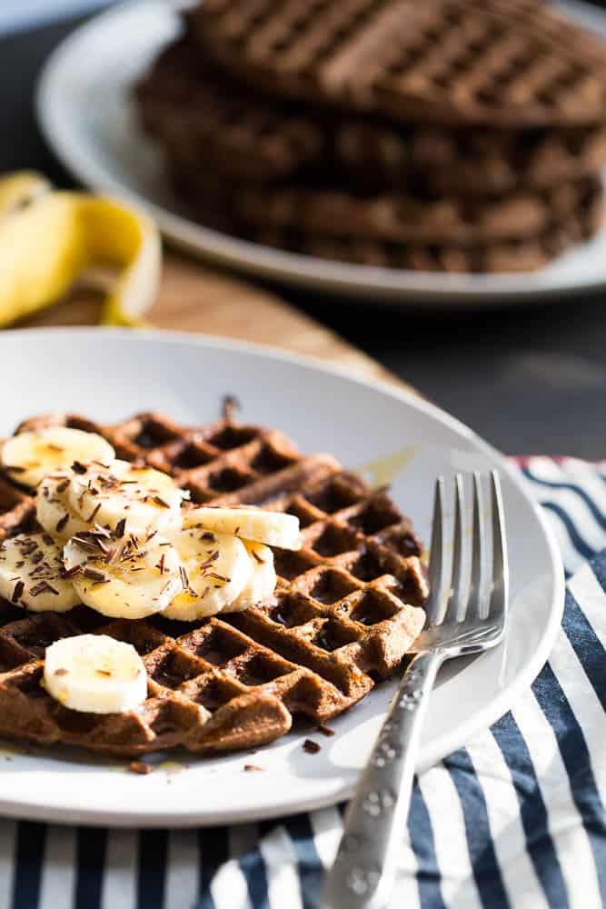 Paleo Chocolate Banana Protein Waffles   paleo recipes   waffle recipes   gluten-free recipes   perrysplate.com