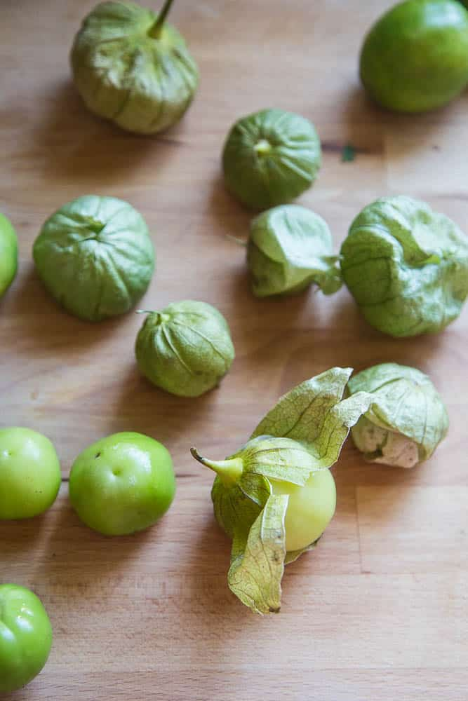 Roasted Tomatillo-Chipotle Salsa | salsa recipes | paleo recipes | Whole30 recipes | perrysplate.com