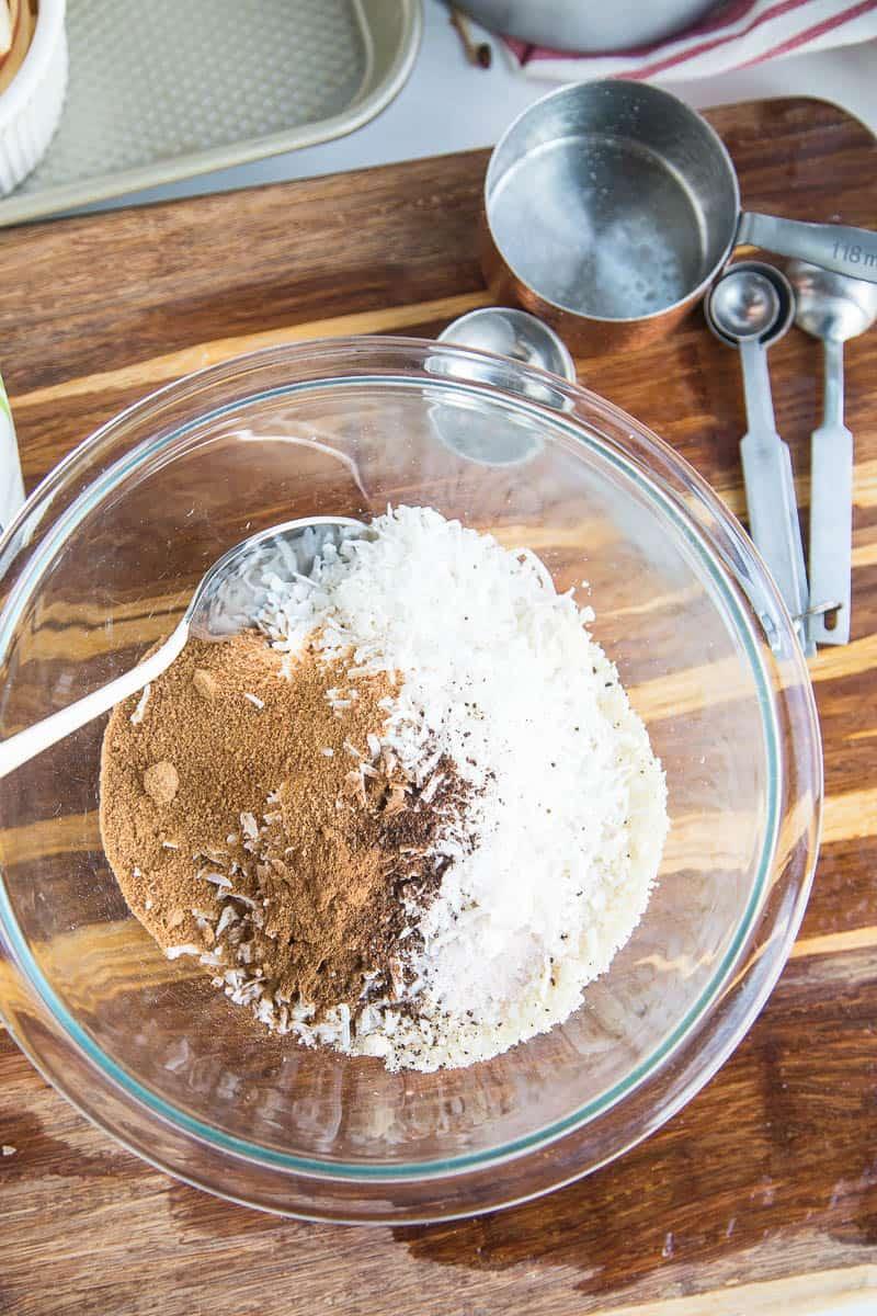 Spiralized Paleo Apple Crumble | paleo recipes | apple recipes | gluten free recipes | dairy free recipes | paleo dessert recipes | perrysplate.com