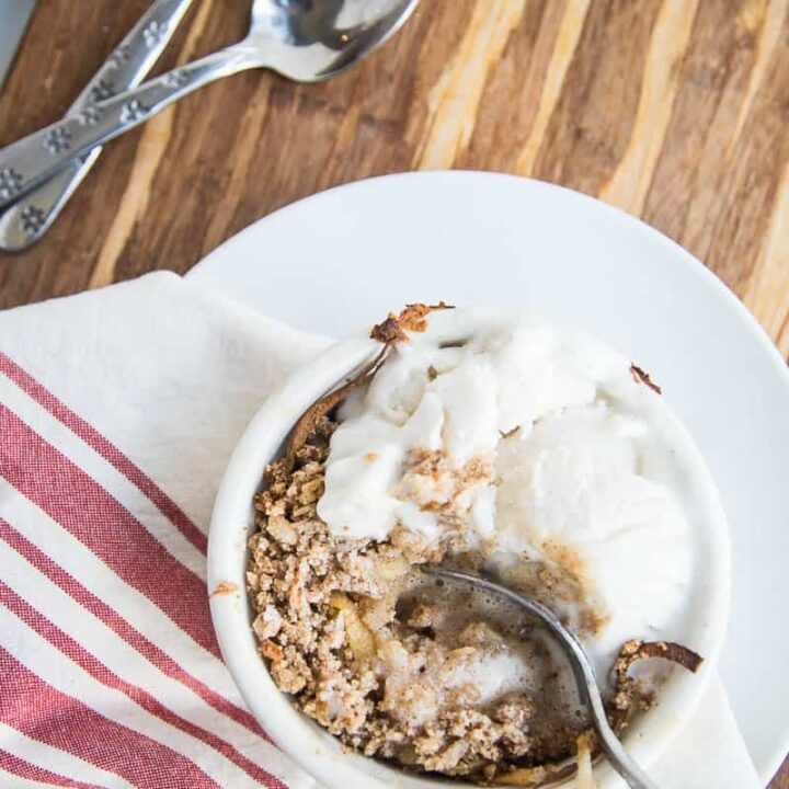 Spiralized Paleo Apple Crumble