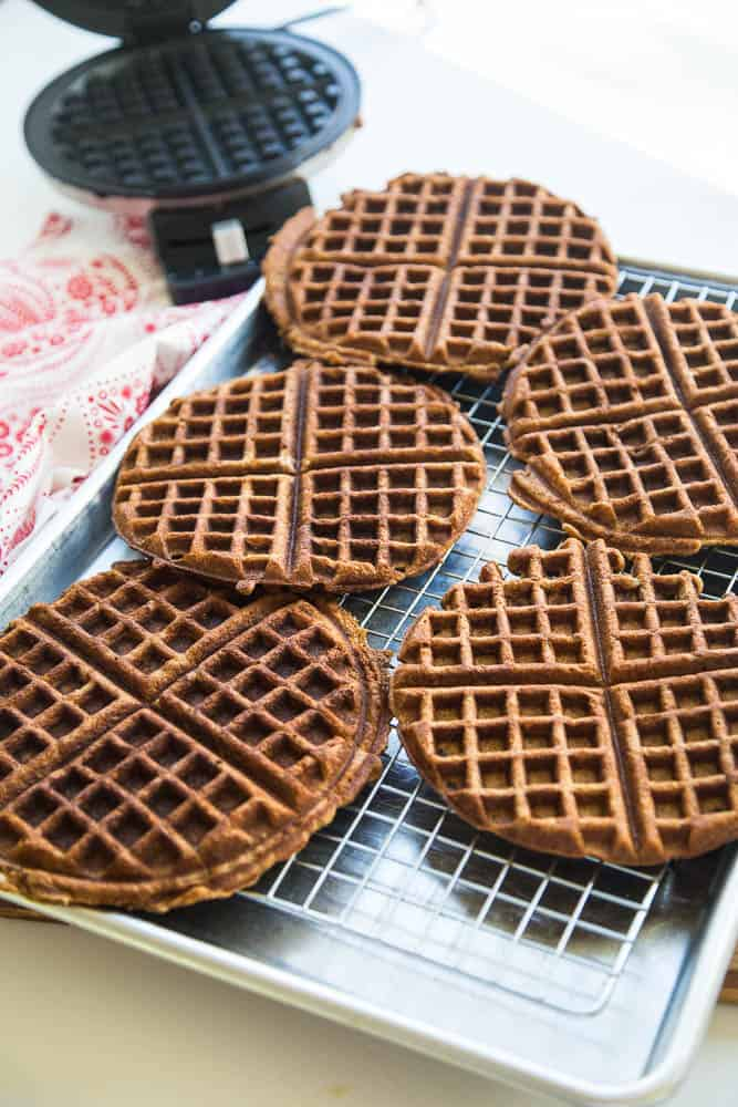 Chai Paleo Gingerbread Waffles with Pomegranate & Cranberry Cream | paleo recipes | Christmas breakfast recipes | gingerbread recipes | gluten-free waffle recipes | dairy free recipes | perrysplate.com