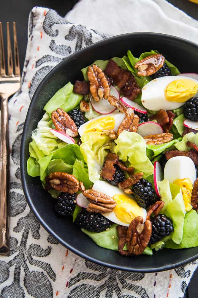Blackberry, Bacon, & Egg Salad with Maple Dijon Vinaigrette | quick salad recipes | gluten-free recipes | perrysplate.com