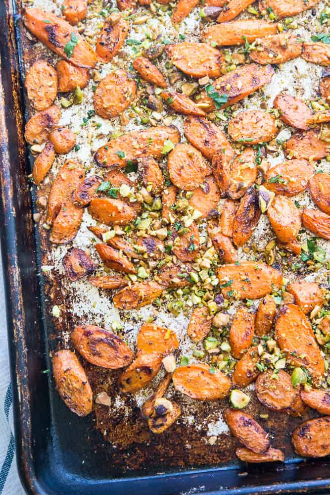 Moroccan Roasted Carrots with Pistachio Gremolata | paleo recipes | Whole30 recipes | gluten-free recipes | perrysplate.com