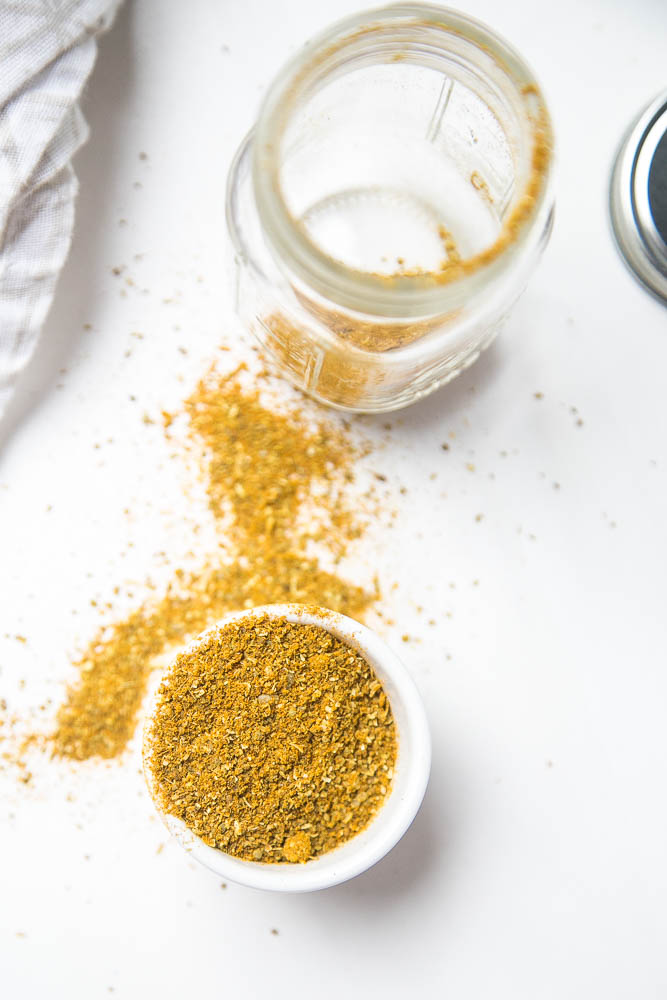 Looking for Night-shade free spice blends? Here's a trio of seasoning you'll love to use over and over! | perrysplate.com #spiceblends #nightshadefree
