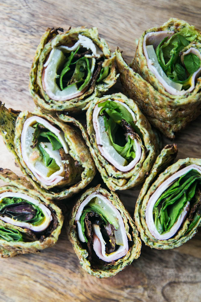 This gluten and grain-free sandwich wrap is made with zucchini flatbread! Fill them with your favorite sandwich fillings and pack them for a healthy lunch. | perrysplate.com