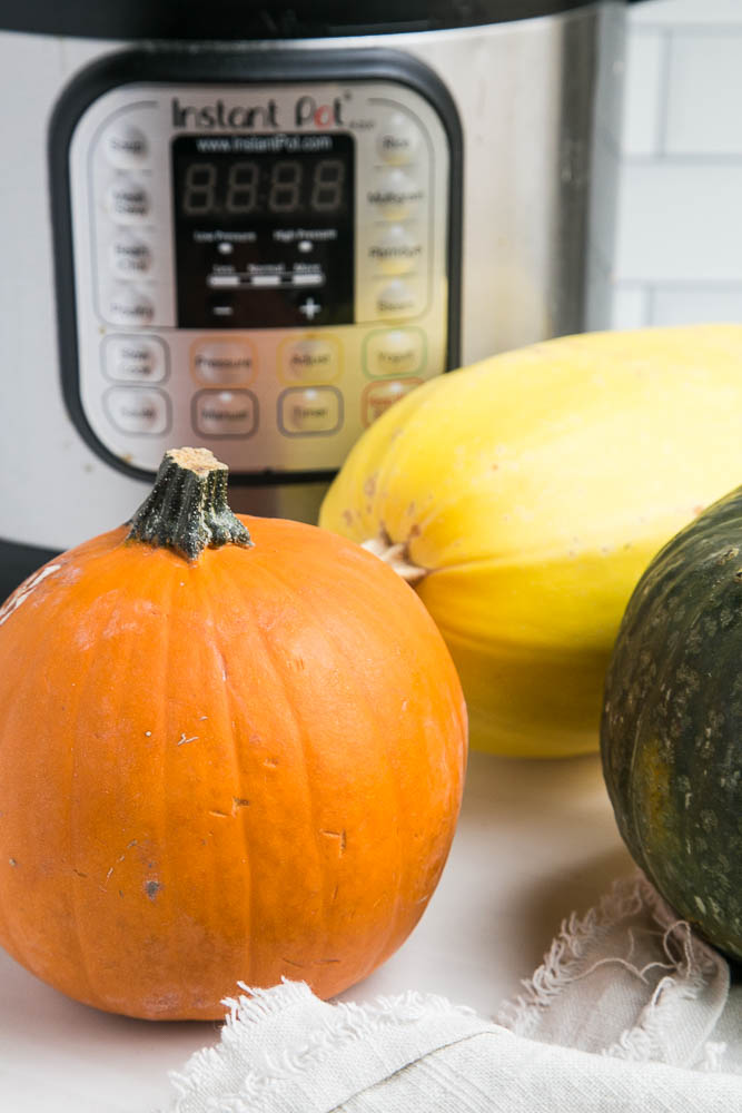 How to cook pumpkin and squash in an Instant Pot! Also, how to make homemade pumpkin puree. | perrysplate.com