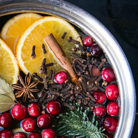 How to Make Simmer Pots (Stovetop Potpourri)
