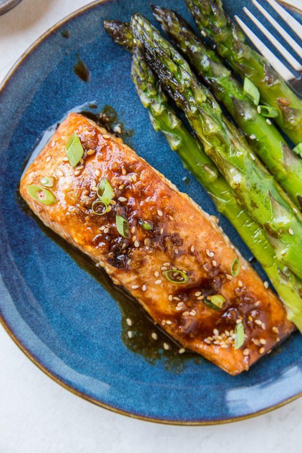 Paleo Asian Baked Salmon & Asparagus -- Paleo Meal Plans