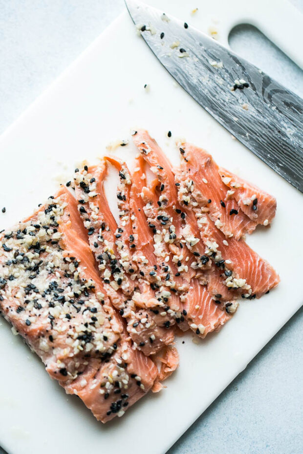 Everything Bagel Gravlax Recipe (Cured Salmon)
