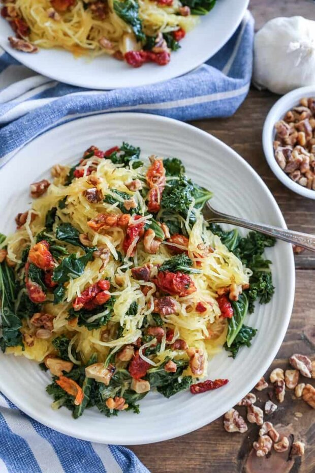 Roasted Garlic Kale Spaghetti Squash with Sun-Dried Tomatoes